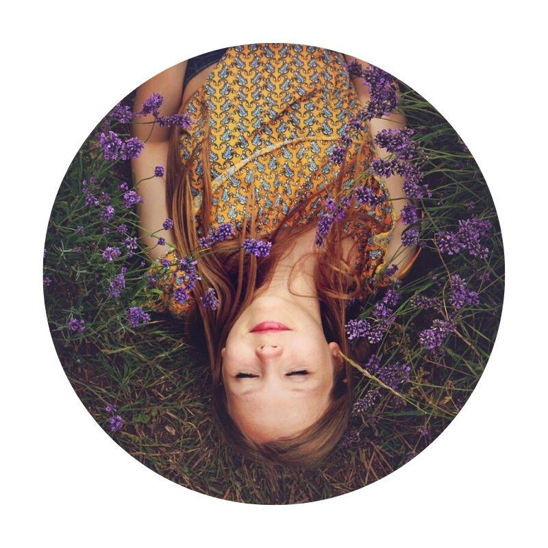 Pam-Lauren-Frag-Pam-Frau-Natur-Lavendel-Wiese_pixabay_freephotos