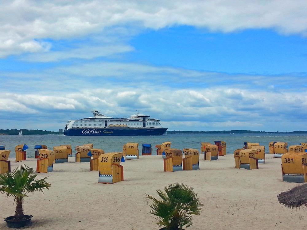 Sommer - Kalifornien - Laboe - Palmen - Strand - Schiff - Lauren Art